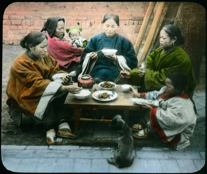 Trip to China. United Archives / Carl Simon collection